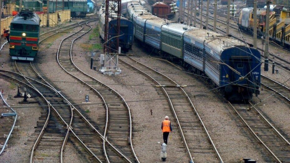 Губернатор и спикер облдумы поздравили воронежских железнодорожников