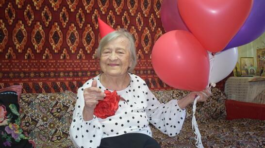 Век с улыбкой и песней. Ветеран войны из Воронежской области отметила 100-летие