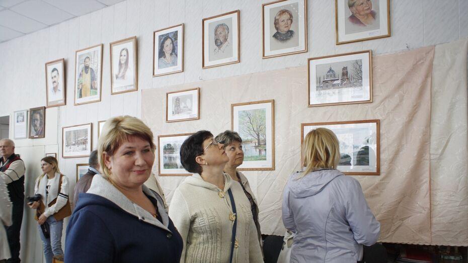 Выставка графики бутурлиновского художника открылась в Аннинском краеведческом музее