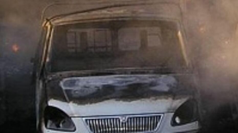 В Воронежской области из-за короткого замыкания сгорела «Газель»