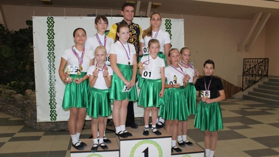 Бутурлиновские танцоры завоевали пять кубков и 12 медалей на конкурсе Юга России по ирландским танцам
