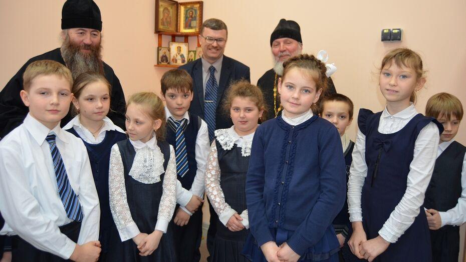 В семилукской школе открылась православная комната