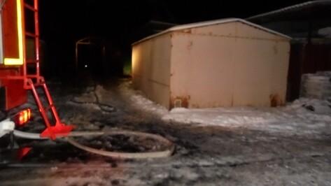 При пожаре в воронежском Сомово погиб неизвестный мужчина