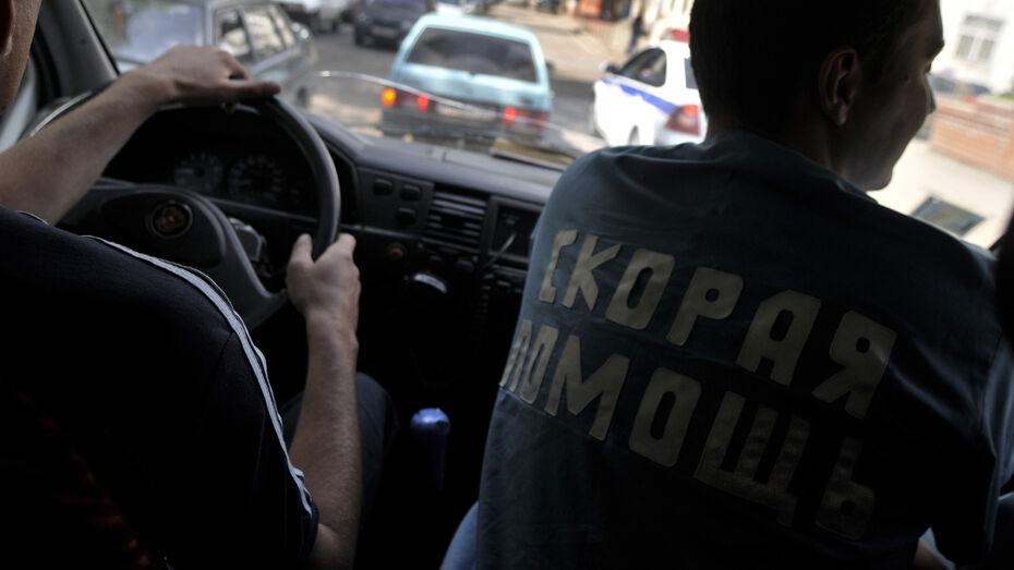 Две иномарки столкнулись в Воронежской области: пострадали 3 взрослых и годовалая девочка