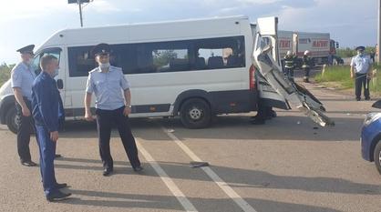 Водителя микроавтобуса отправили под домашний арест после ДТП под Воронежем