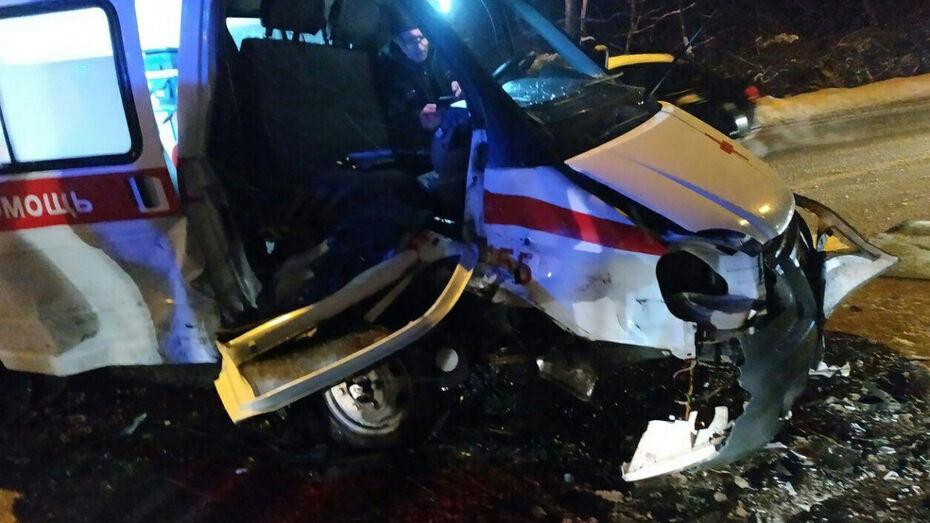 В Воронеже начали поиск очевидцев ДТП со «скорой», в котором пострадала фельдшер