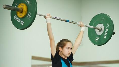 Лискинские тяжелоатлеты завоевали на первенстве области 10 медалей