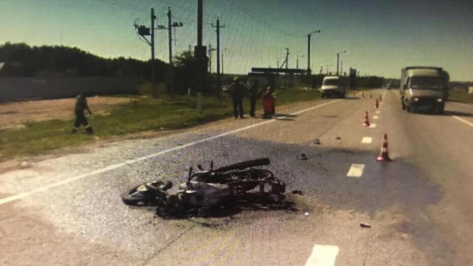 Воронежский мотоциклист получил реальный срок за гибель под колесами фуры пассажира