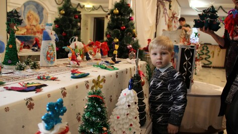 Подгоренцы собрали более 10 тыс рублей на благотворительной ярмарке для детей-инвалидов
