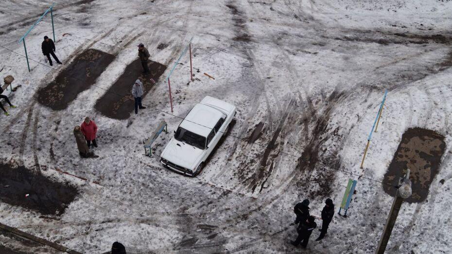 Воронежец выпрыгнул из окна 11 этажа в Советском районе