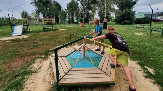 В Острогожском районе общественники оборудуют 5 спортивных и детских площадок