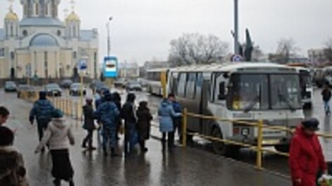 В Россошанском районе на российско-украинской границе усилен контроль за прибывающими в Россошь иностранцами