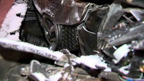 Под Воронежем минивэн Mazda насмерть сбил женщину
