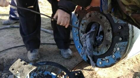 Попавшая в канализацию зимняя куртка привела к коммунальной аварии в Воронеже