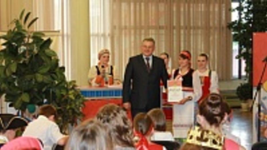 Павловские школьницы стали призерами детского фестиваля «Старая, старая сказка»
