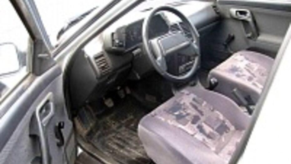 В Боброве парень стал фигурантом уголовного дела за то, что взял у сестры машину