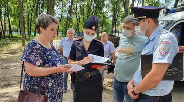 Воронежцы вызвали полицию из-за спиливания деревьев в парке «Орленок»