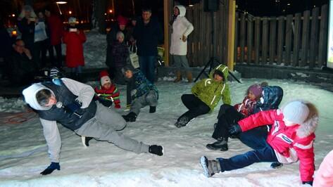 Акция «Час Земли» прошла в Воронеже под брейк-данс на снегу