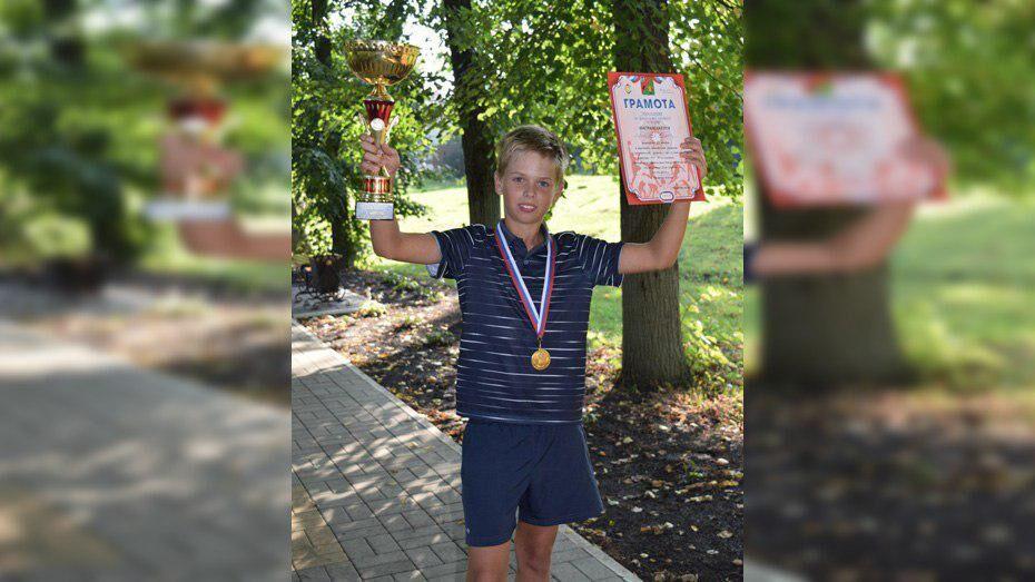 Рамонский теннисист завоевал «золото» на турнире в Старом Осколе