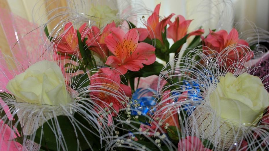 Флористы: воронежцы потратят на букеты к 8 Марта по 300 рублей