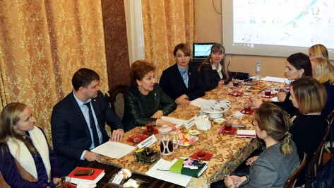 Воронежские женщины-предприниматели обсудили проблемы малого бизнеса с Галиной Кареловой