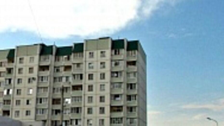 В Воронеже в Отрожке неизвестные подожгли многоэтажку