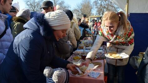 На проводах зимы верхнемамонцы съели более 2 тыс блинов