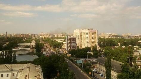Очевидцы: расселенный дом загорелся в Коминтерновском районе Воронежа