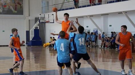 В Верхнехавском районе завершились соревнования по гандболу