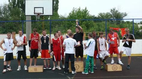В Поворино прошел межрегиональный турнир по стритболу