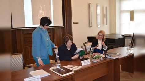 Во дворец Ольденбургских под Воронежем привезут 150 экспонатов эпохи Петра I из Петергофа