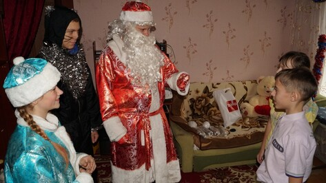 Борисоглебские волонтеры поздравили детей с ограниченными возможностями