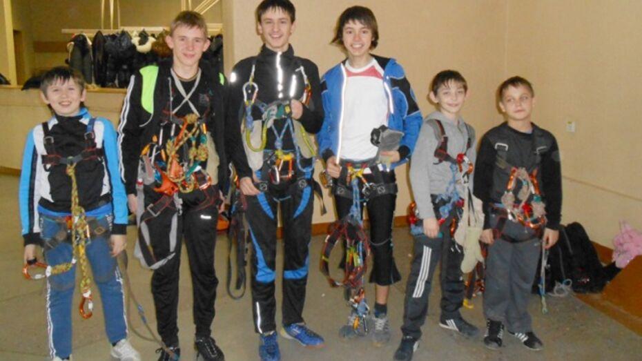 Павловские школьники заняли первое место в области по спортивному туризму