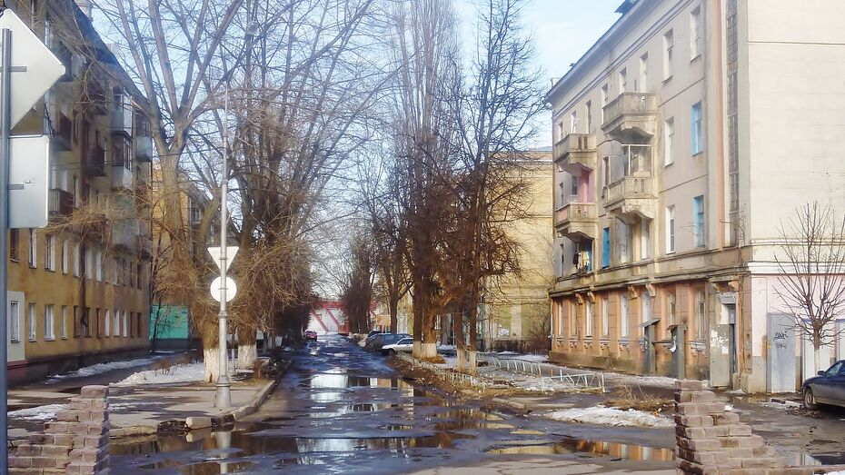 В 27 домов на улице Депутатской этим утром пришло тепло
