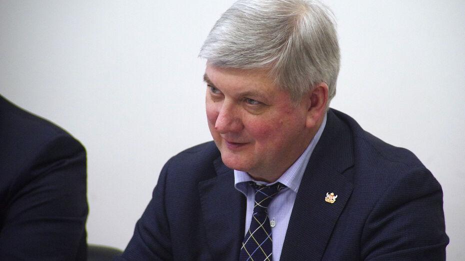 Губернатор Александр Гусев поздравил воронежскую спортсменку с «серебром» Паралимпиады
