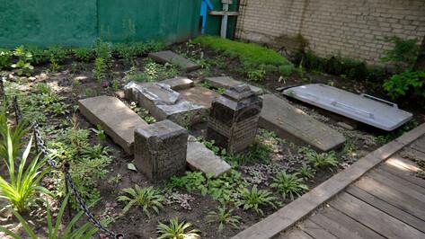 Защита от застройки. Кладбище в воронежском парке стало объектом культурного наследия