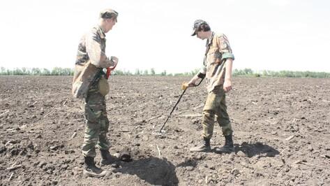 В Хохольском районе поисковики начали раскопки на месте предполагаемого захоронения советских солдат
