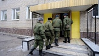 Родители солдат-срочников сообщили о вспышке пневмонии в воинской части в Воронежской области