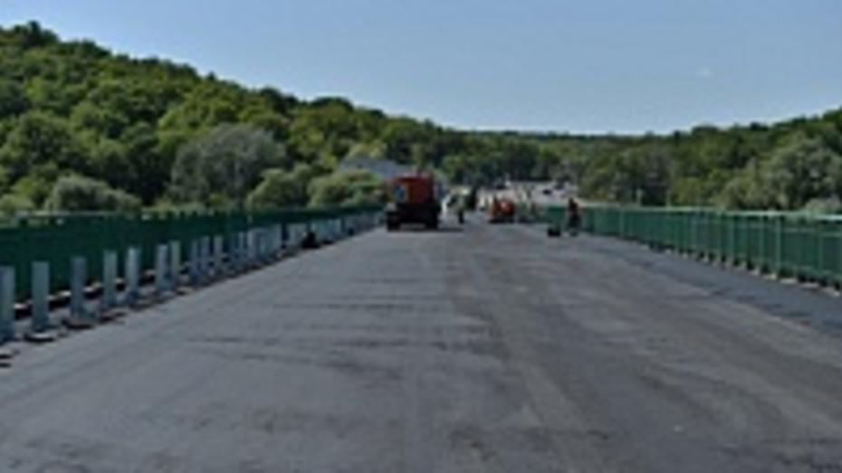 Дорожники откроют движение по мосту через реку Ворона в середине августа