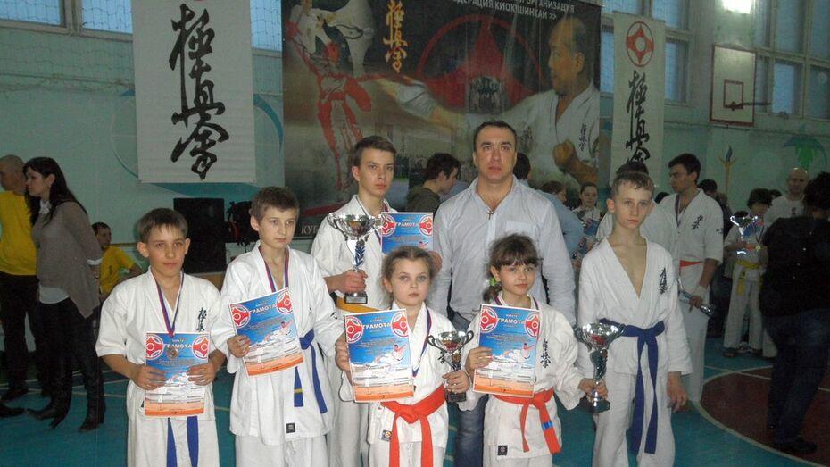 Поворинские каратисты завоевали 5 медалей на межрегиональных соревнованиях