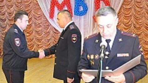 Эртильских полицейских наградили медалями «За отличие в службе»