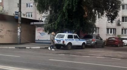 К сносу незаконной пиццерии в Воронеже привлекли полицейских с оружием
