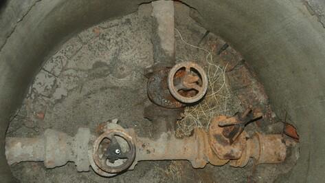 Просадка грунта вызвала трещину на водоводе в Воронеже