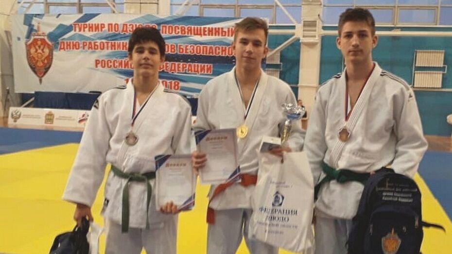 Поворинский спортсмен завоевал «золото» на межрегиональном турнире по дзюдо