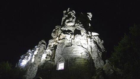 Воронежцев пригласили на ночную кладбищенскую экскурсию в Дивногорье