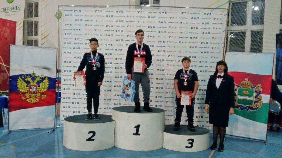 Богучарский спортсмен выиграл 2 «золота» на всероссийском турнире по гиревому спорту