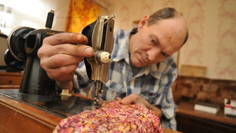 Воронежские бездомные сшили для «братьев по улице» нижнее белье