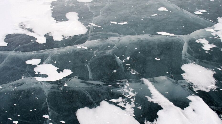 В Новохоперском районе рыбак провалился под лед