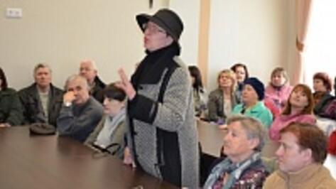 Жители Семилук выступили против строительства новой школы