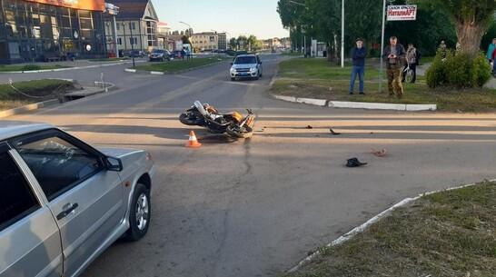 В Павловске «Волга» сбила 16-летнего мотоциклиста